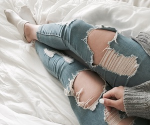 white#ootd#jeans image