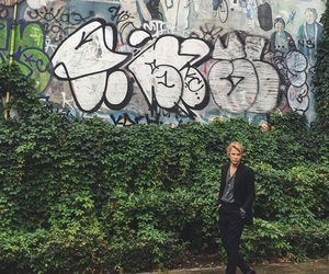 fashion, wrong crowd, and tom odell image