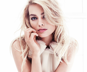 margot robbie, actress, and harley quinn image