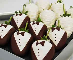 wedding, chocolate, and strawberry image