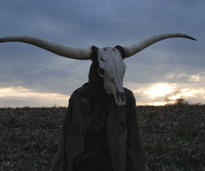 horns and skull image