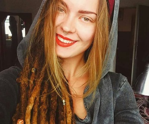 dreads, girl, and red_grey image
