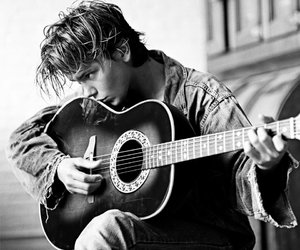 river phoenix, guitar, and 90s image