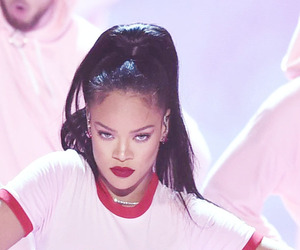 rihanna and vma image