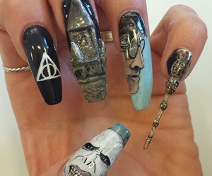 harry potter, nails, and voldemort image