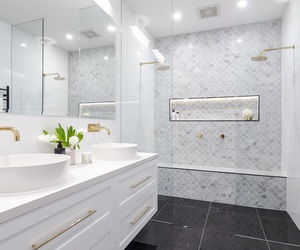 2016, apartment, and bath image