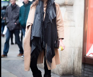 coat, invierno, and scarf image