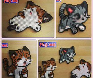 gatitos de hama beads image