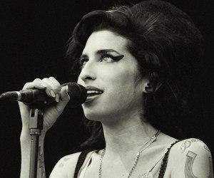 Amy Winehouse, amy jade winehouse, and Harry Styles image
