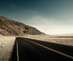 road and desert image