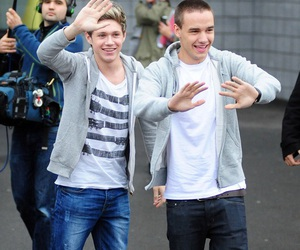 niam, wave, and waving image