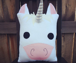 unicorn, pillow, and pink image