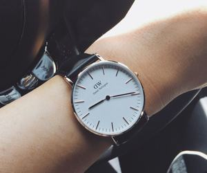 watch, style, and kylie jenner image
