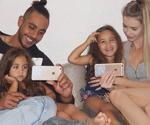 family, happy, and iphoen image