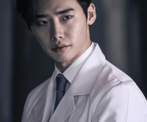 lee jong suk, doctor stranger, and actor image