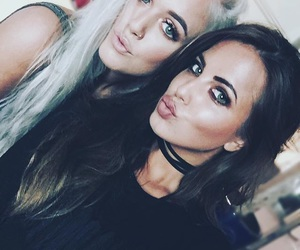 lottie tomlinson, sophia smith, and one direction image