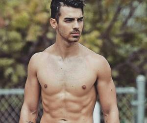 body, celebrity, and Joe Jonas image