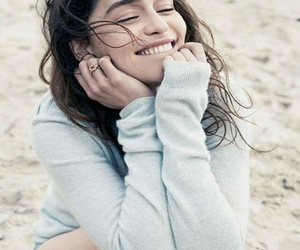 emilia clarke and icon image