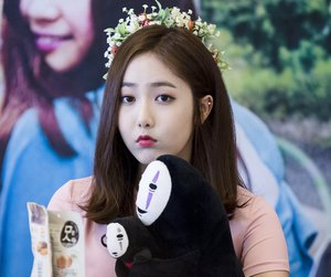 sinb, gfriend, and 신비 image