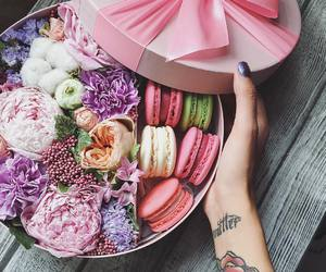 food, gift, and manicure image