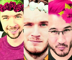 flower crown, markimoo, and youtube image