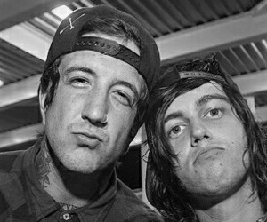 austin carlile, of mice and men, and kellin quinn image