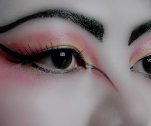 eye makeup, eyeshadow, and geisha image
