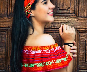 mexicana, puerta, and trajes image