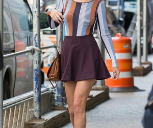 Taylor Swift, fashion, and candid image