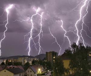 tumblr, alternative, and lightning image