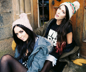 girls, ombre hair, and friends image
