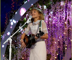 singer, Taylor Swift, and americas got talent image