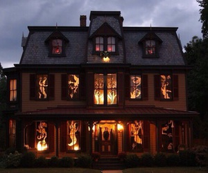 Halloween, house, and spooky image