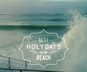 beach, vagues, and holidays image
