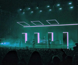 concert and the 1975 concert image