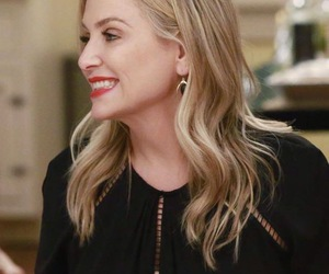 jessica capshaw, grey's anatomy, and arizona robbins image