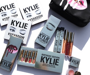 kylie jenner, kylie cosmetics, and makeup image