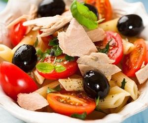 food, pasta, and tina image