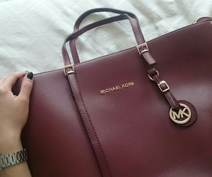 girly, nails, and michaelkors image