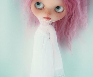 blythe, freckles, and glow image