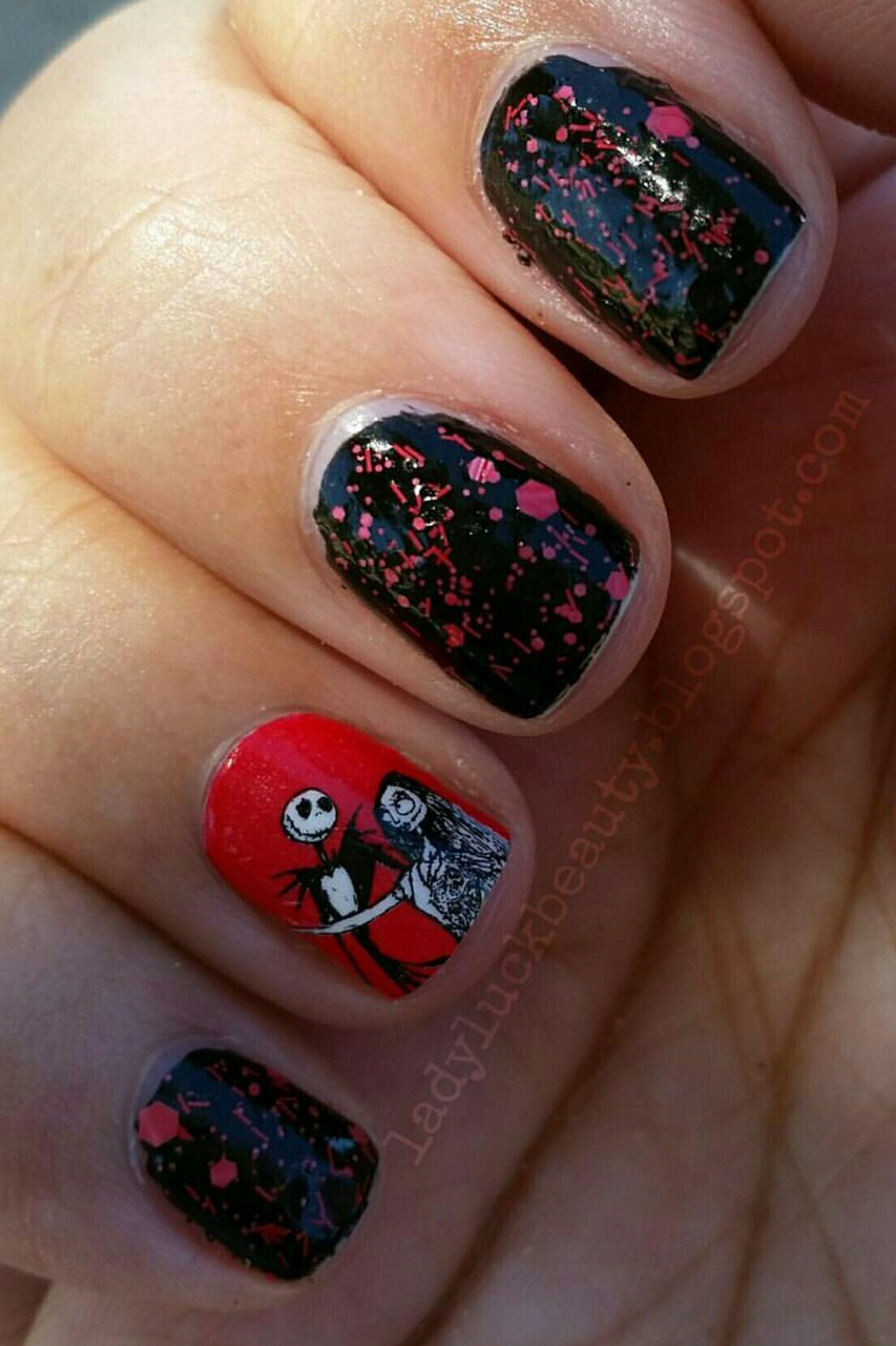 Nightmare Before Christmas Halloween Nails on We Heart It