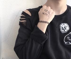 black, grunge, and pale image