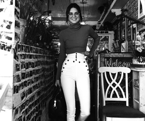 body, fashion, and Kendall image