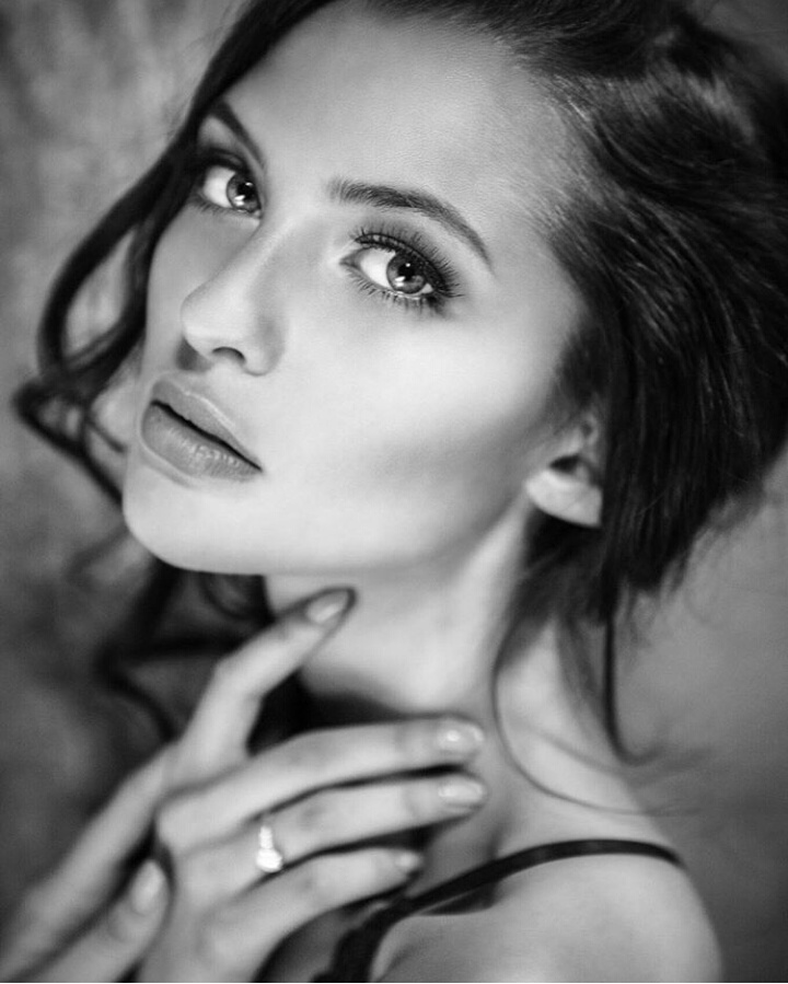 black & white, bosnian girl, and slay image