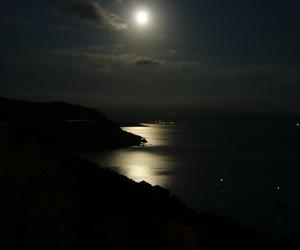 night and moon light image