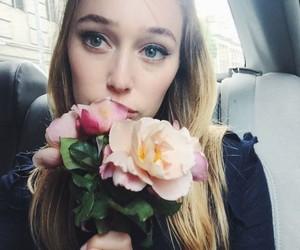 alycia debnam-carey and flowers image
