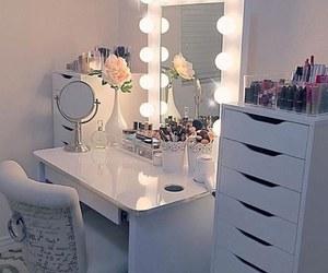 makeup, home, and lights image