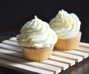 bakery, cupcake, and foodie image