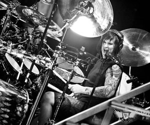 avenged sevenfold and the rev image