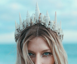girl, crown, and Queen image